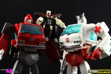 nonnef-masterpiece-ironhide-ratchet-hip-upgrade-review