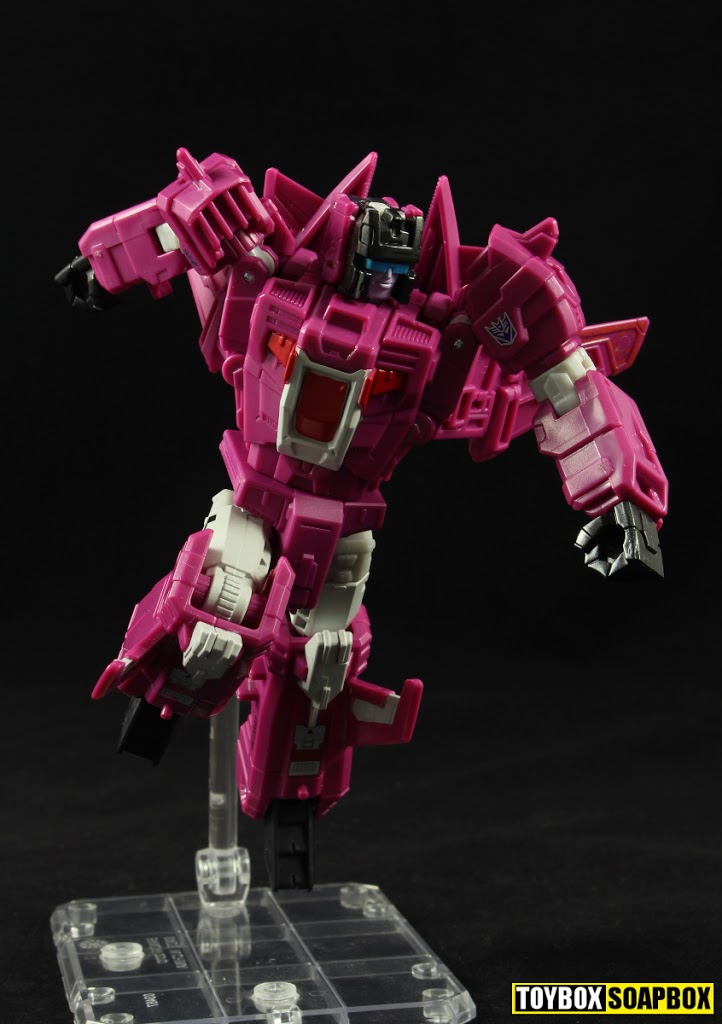 titans return misfire flying