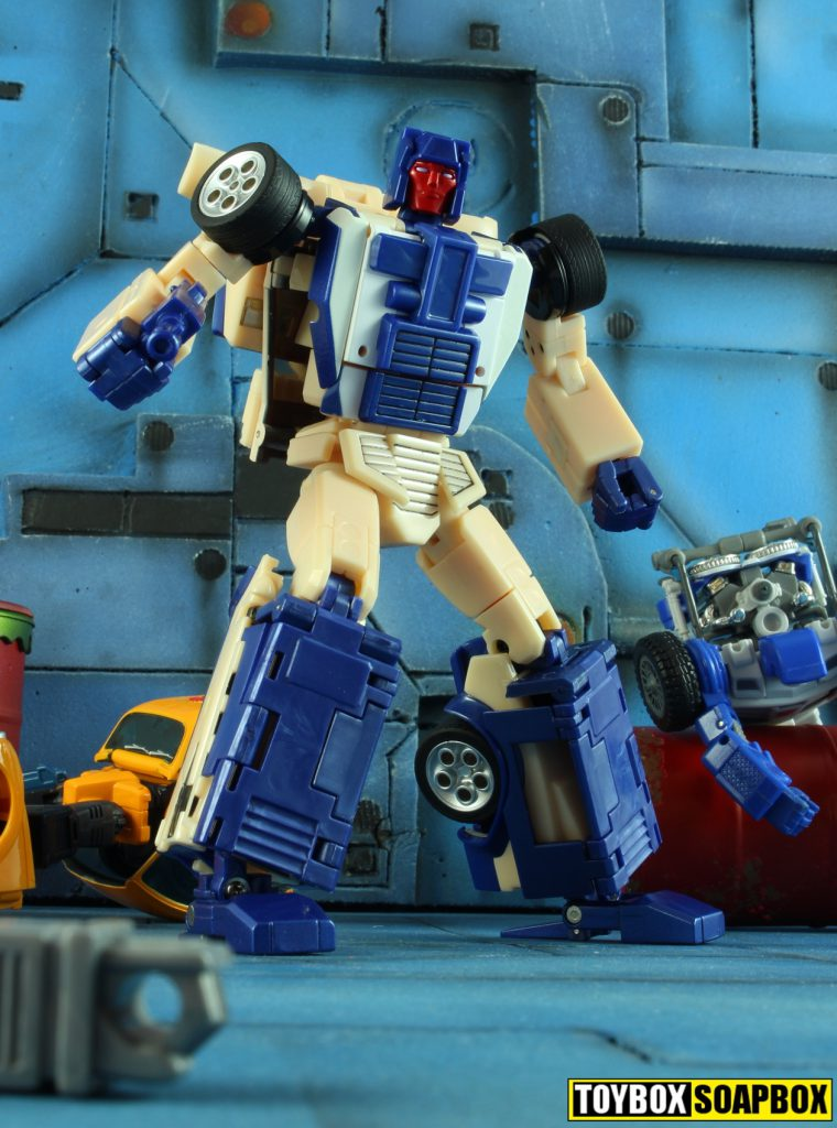 xtransbots crackup and arkose in a battle
