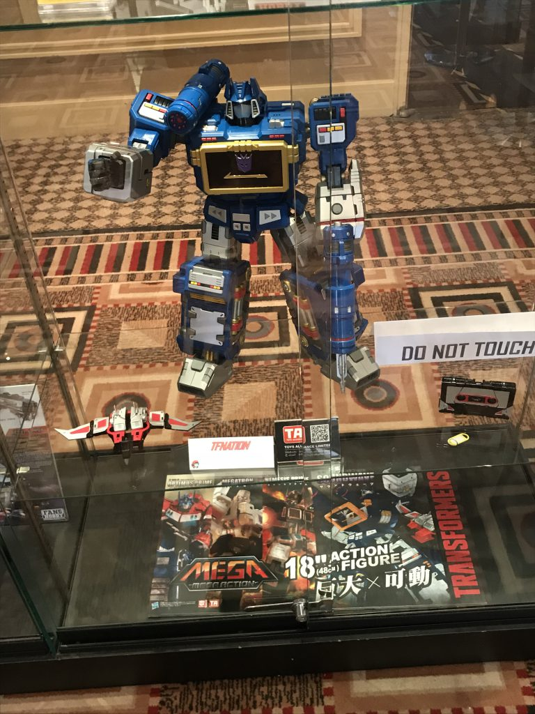 Toys Alliance Mega Action Series MAS-03 Soundwave