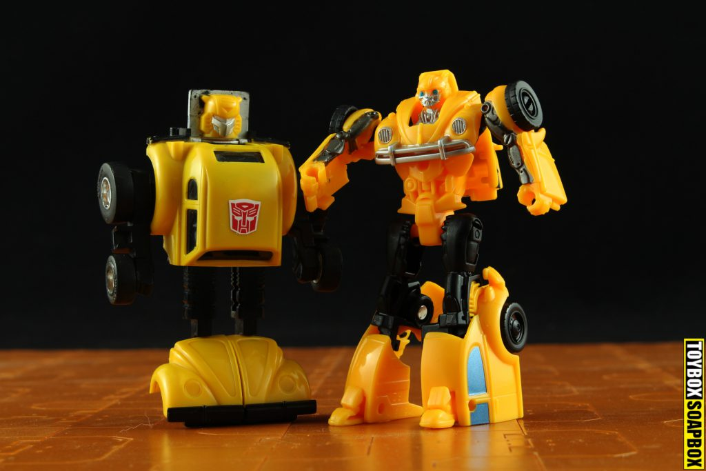 transformers-g1-bumblebee-vs-movie-bumblebee