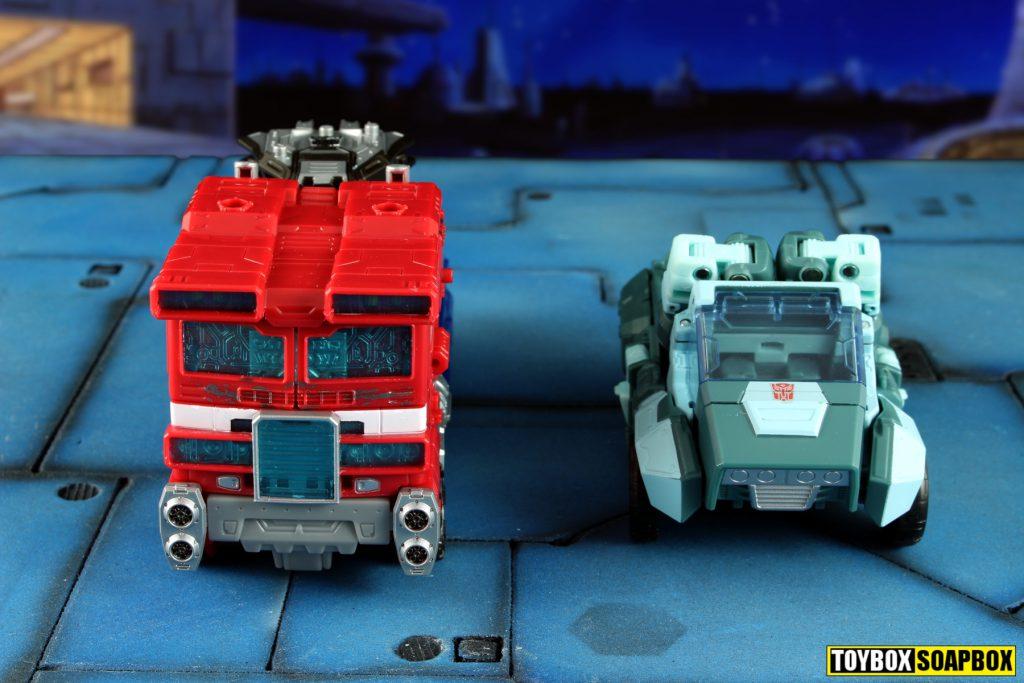 transformers siege optimus prime scale