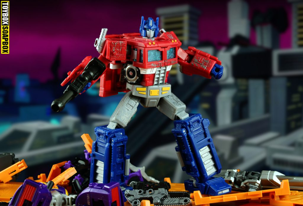 siege voyager optimus prime review