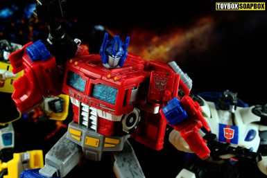 transformers siege optimus prime review jazz