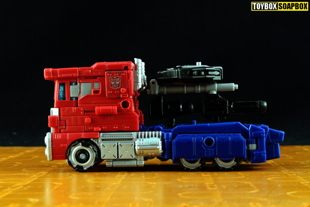 siege optimus prime tuck mode