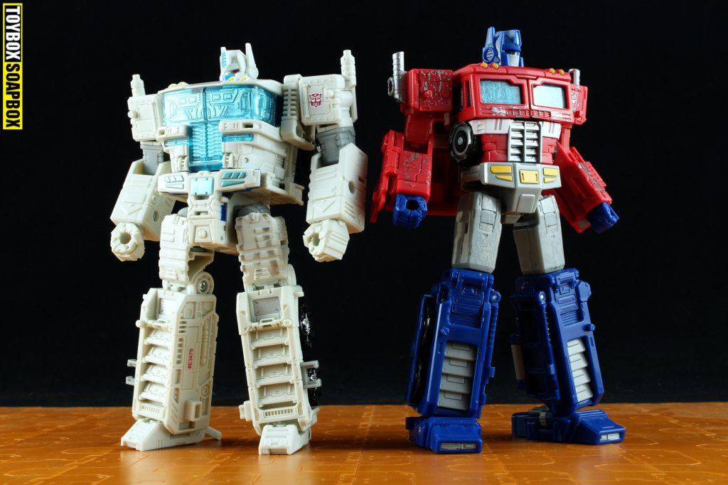 siege optimus prime and ultra magnus comparison