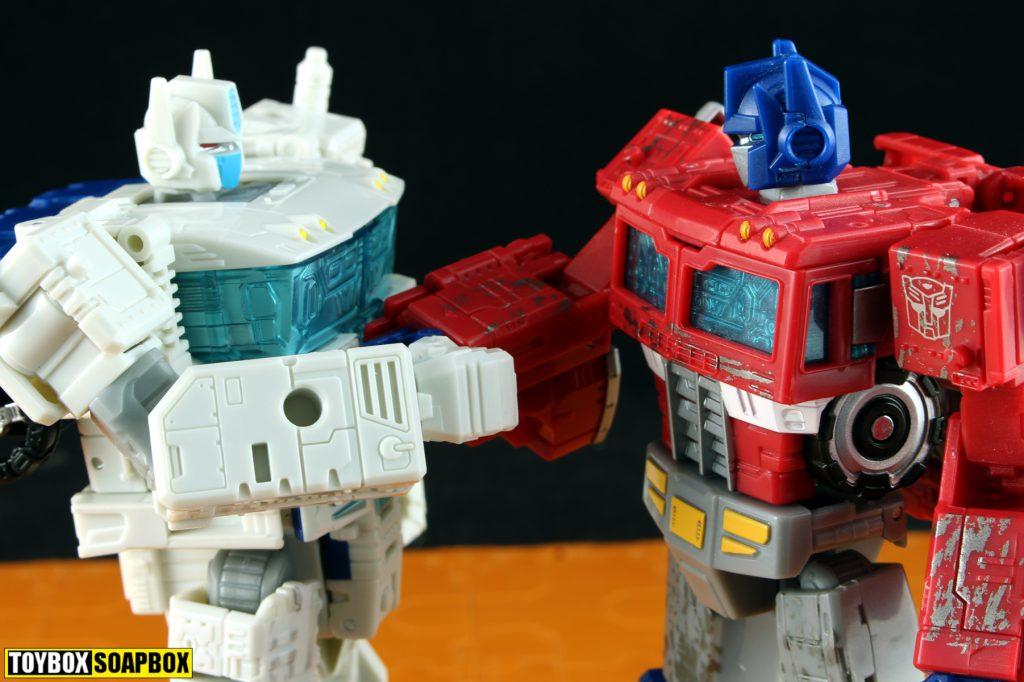 transformers siege optimus prime ultra magnus review