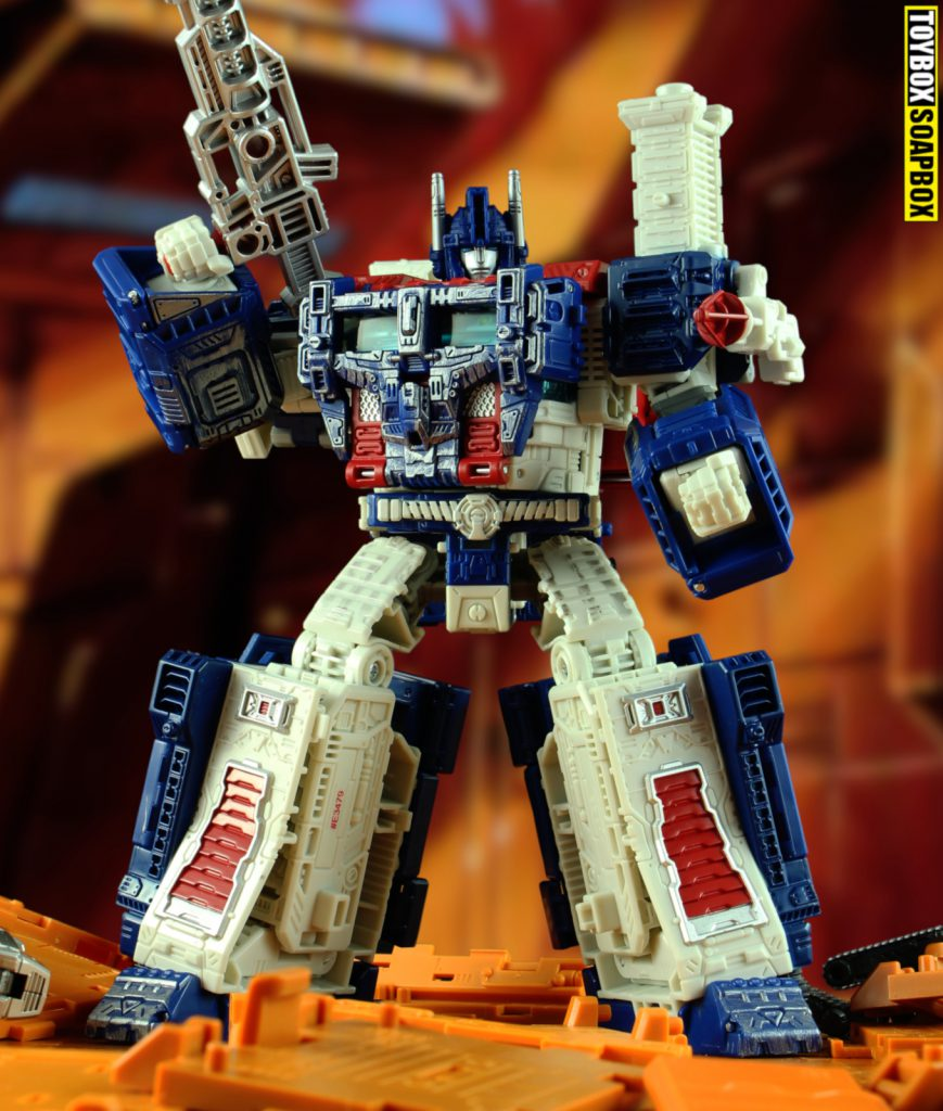 transformers-siege-ultra-magnus-robot-mode