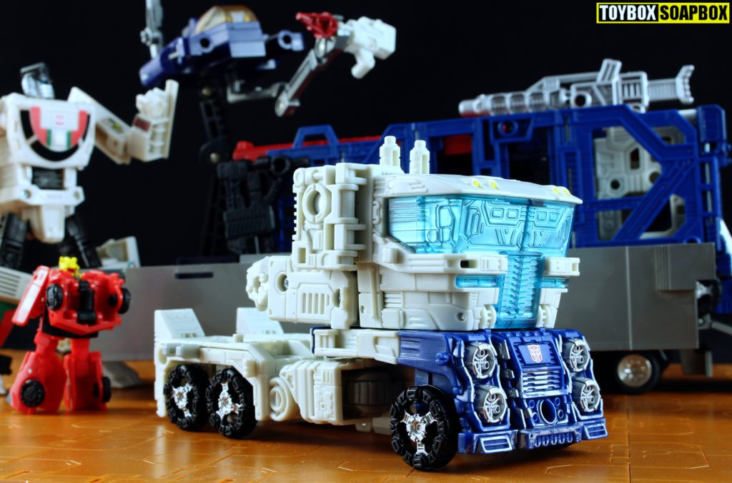 transformers siege ultra magnus truck cab mode