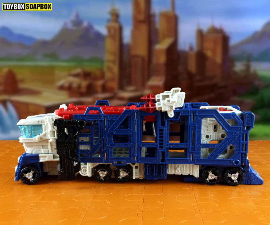 siege ultra magnus truck mode side